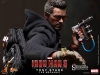 9021011-tony-stark-the-mechanic-001_toyreview-com_-br-8