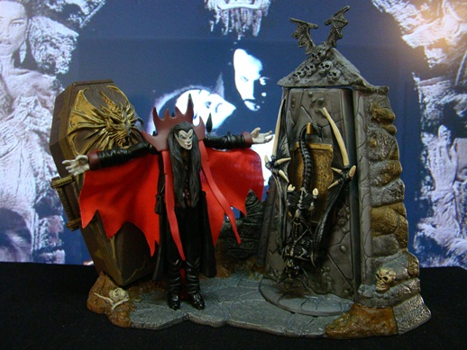 McFarlane's Monsters Playset - Series 1 - Dracula (1997)