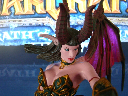 World of Warcraft – Series # 4 – Succubus Demon: Amberlash – DC Unlimited (2009)