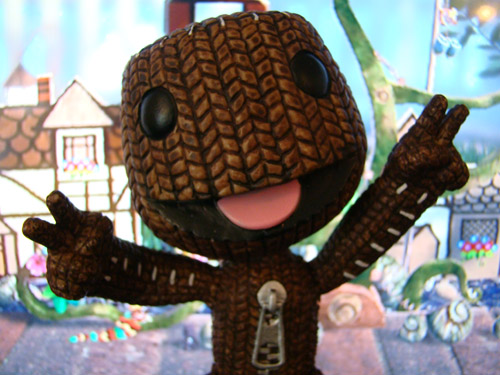 Little Big Planet - Sackboy Peace Sign - Brazier & Co. (2010)