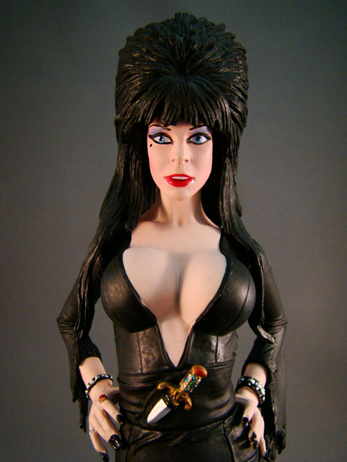 "Elvira, Mistress of Dark - Monstarz - Elvira 7"" Regular - Amok Time (2010)"