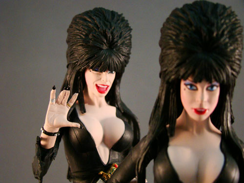 "Elvira, Mistress of Dark - Monstarz - Elvira 7"" Regular & Winking - Amok Time (2010)"