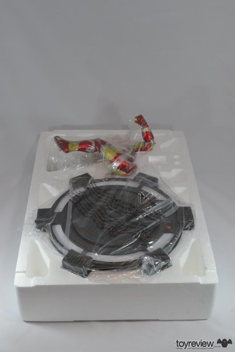 Iron_Man_Mark_42_Iron_Studios_Legacy_Replica_ToyReview.com (10)