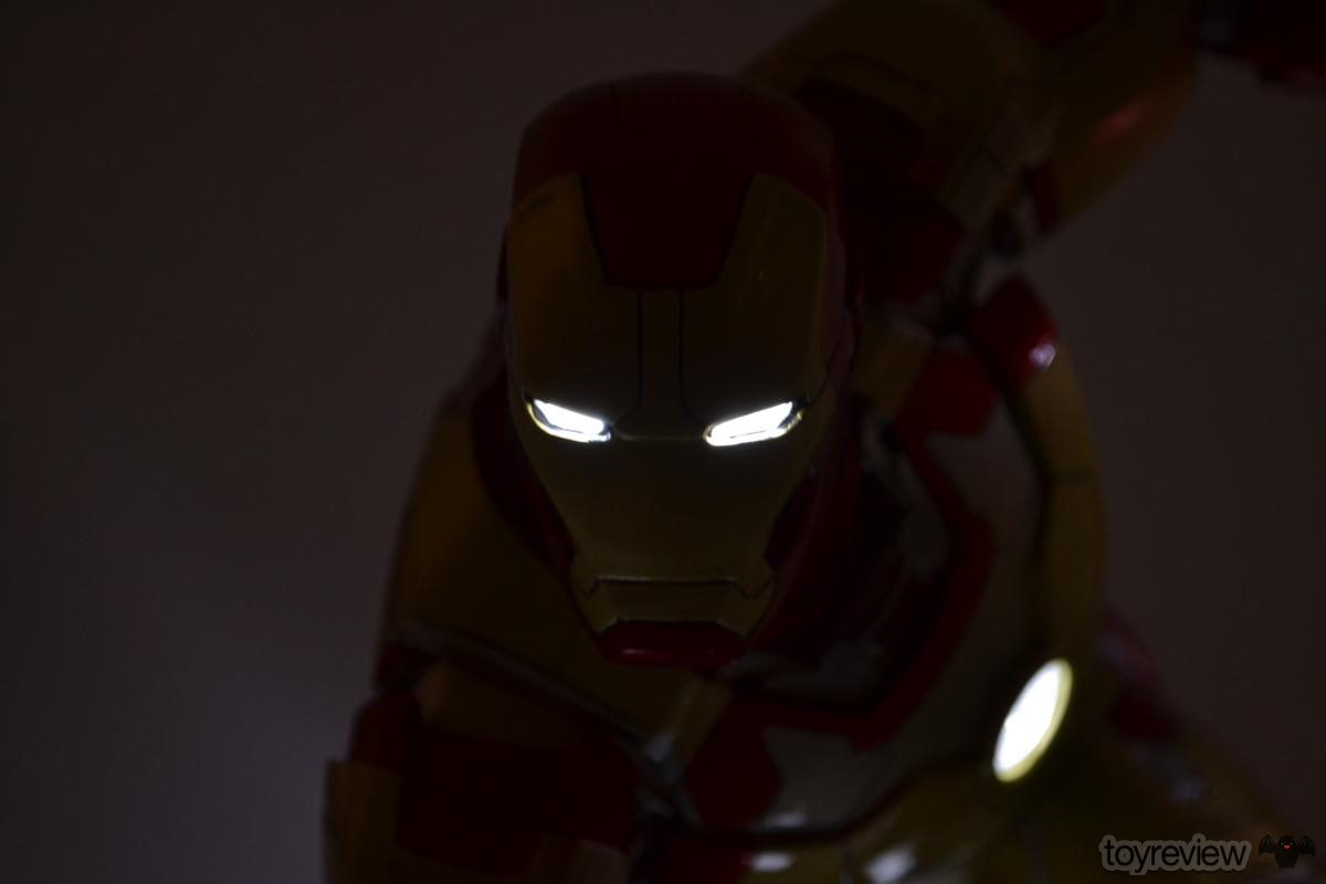 Iron_Man_Mark_42_Iron_Studios_Legacy_Replica_ToyReview.com (80)