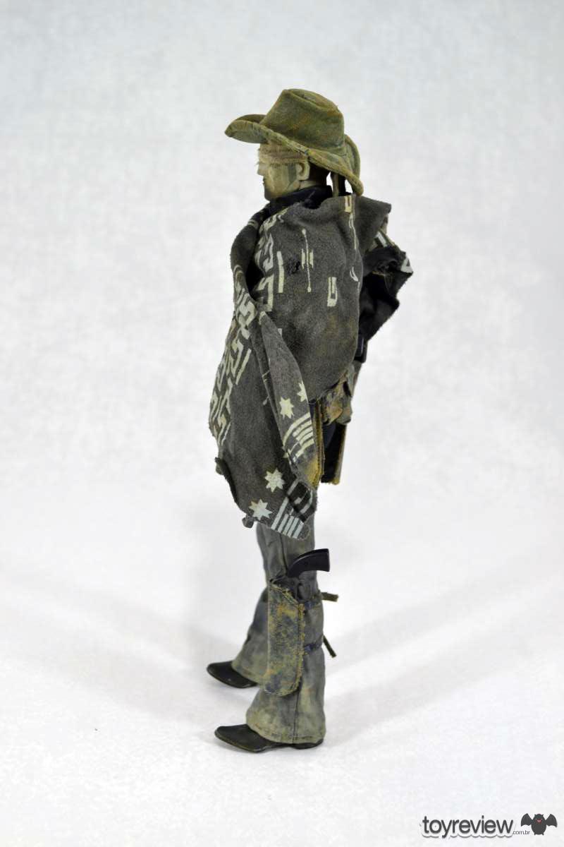 Dark_Cowboy_In_service_Of_him_Dead_Equine_3A_Toys_ToyReview.com (20)