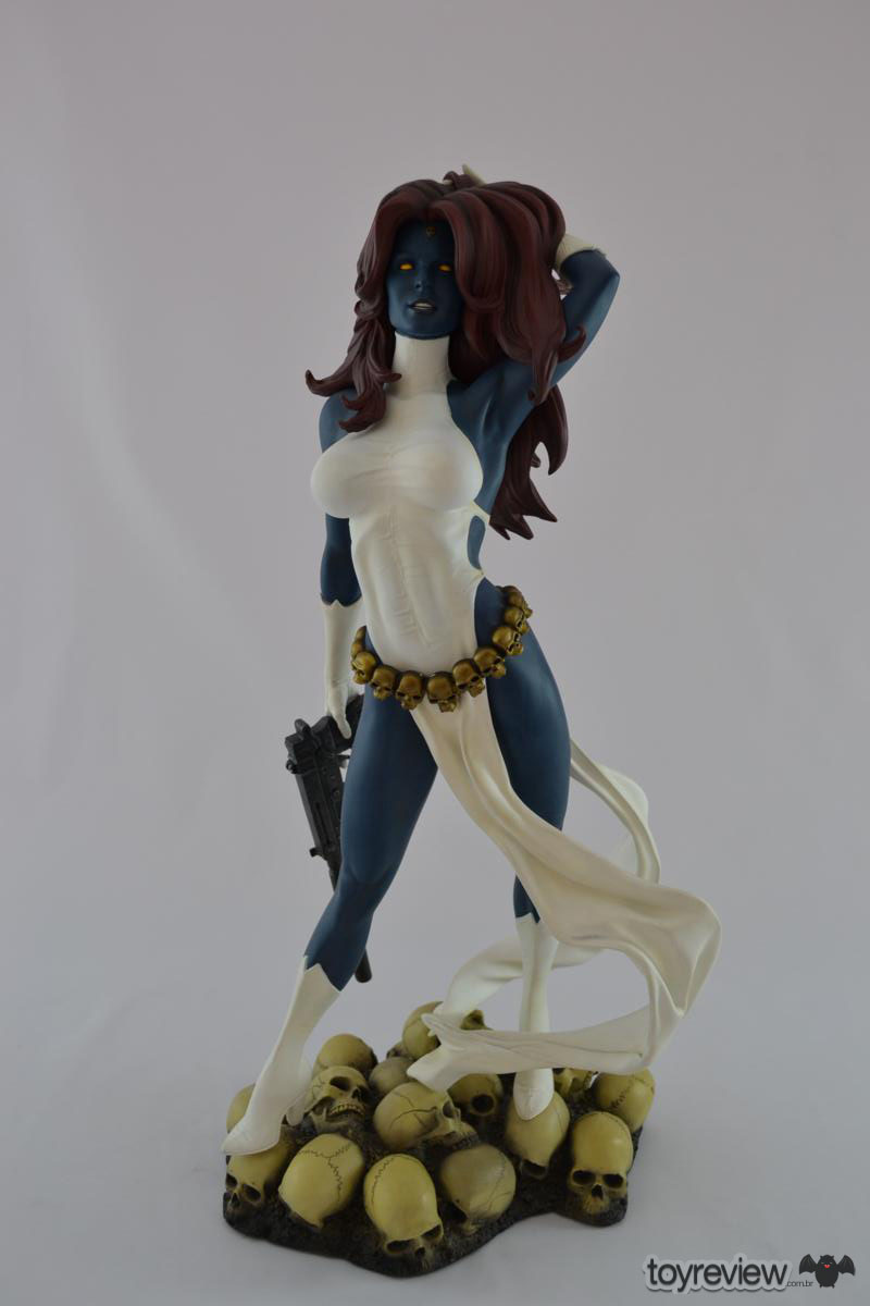 mystique-comiquette-sideshow-collectibles-adam-hughes (10)_1200x800