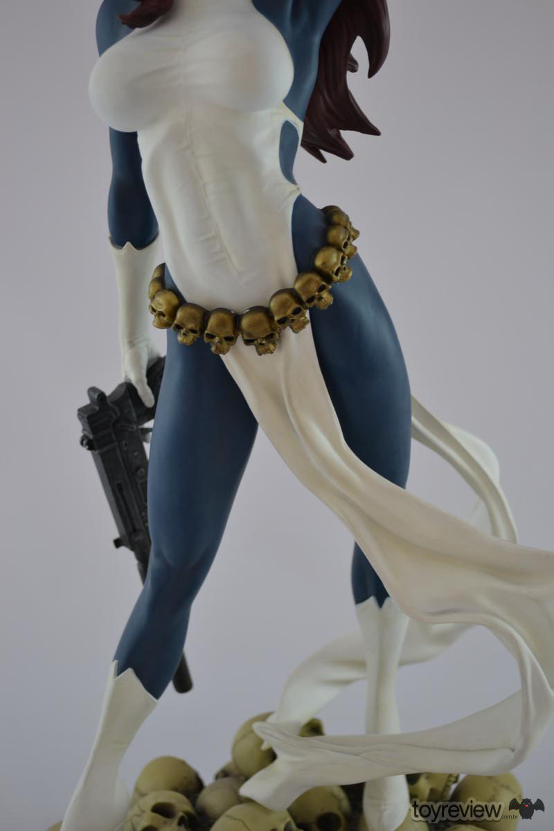 mystique-comiquette-sideshow-collectibles-adam-hughes (15)_1200x800