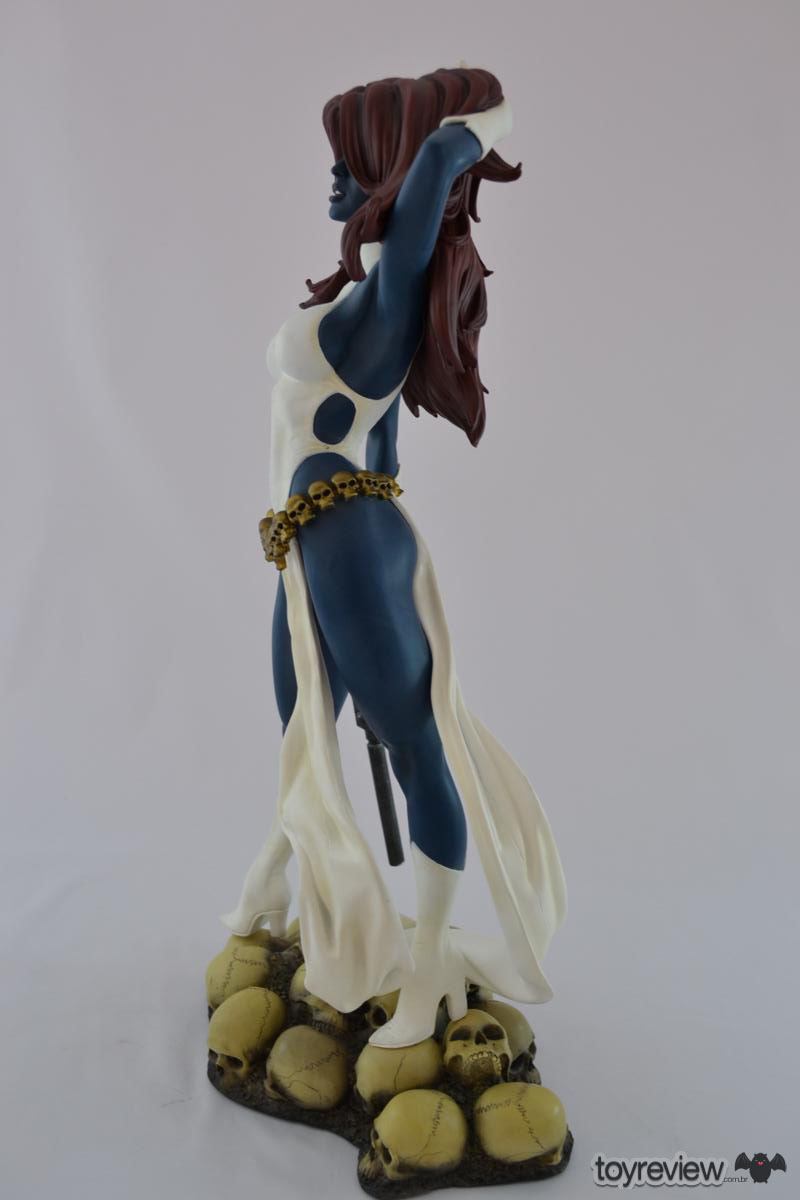 mystique-comiquette-sideshow-collectibles-adam-hughes (24)_1200x800