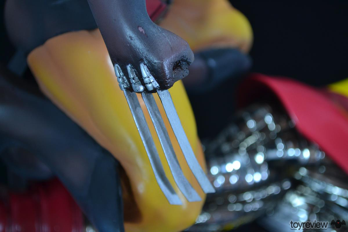 COLOSSUS_WOLVERINE_FASTBALL_SPECIAL_HALIMAW_SCULPTURES_DIORAMA_TOYREVIEW (77)