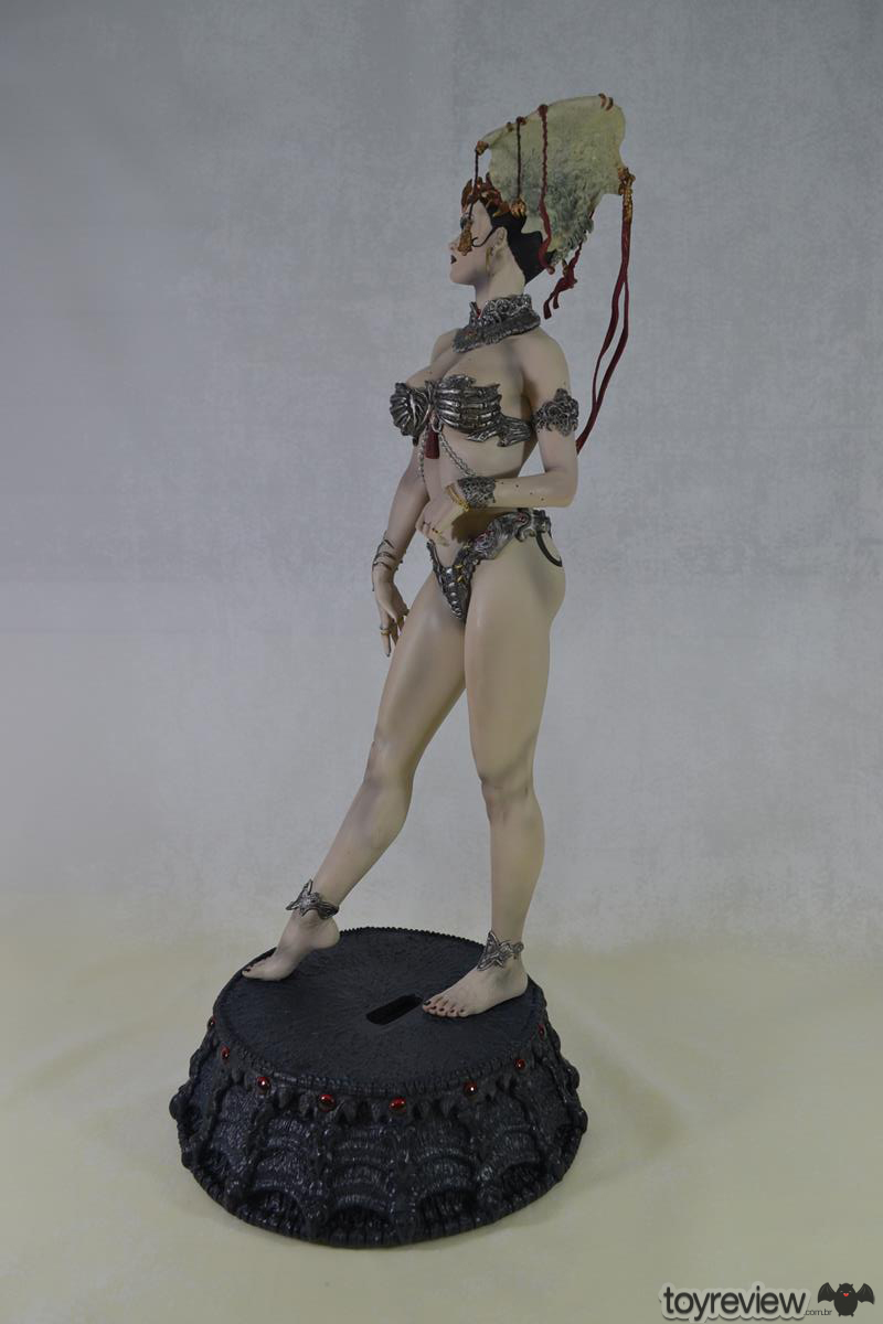 GETHSEMONI_THE_QUEEN_OF_THE_DEAD_PREMIUM_FORMAT_SIDESHOW_COLLECTIBLES_TOYREVIEW (13)