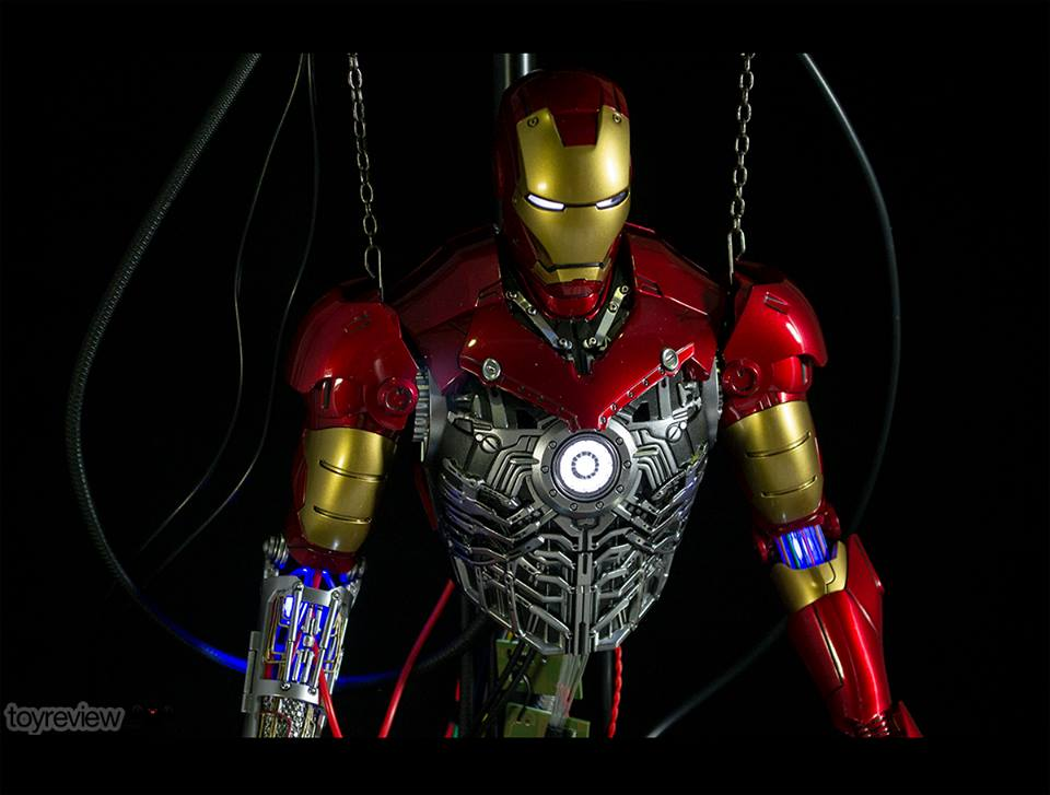 IRON_MAN_MARK_III_CONSTRUCTION_DIORAMA_HOT_TOYS_TOYREVIEW_PHOTO_REVIEW (1)