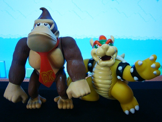 Super Mario Figure Collection – Donkey Kong & Bowser - PopCo Entertainment (2008)