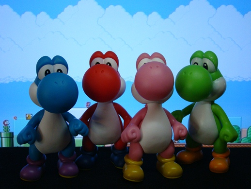 Super Mario Figure Collection – Yoshis (Pink, Blue, Green & Red) - PopCo Entertainment (2008