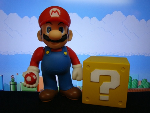 Super Mario Figure Collection – Mario with a Mushroom - PopCo Entertainment (2008)