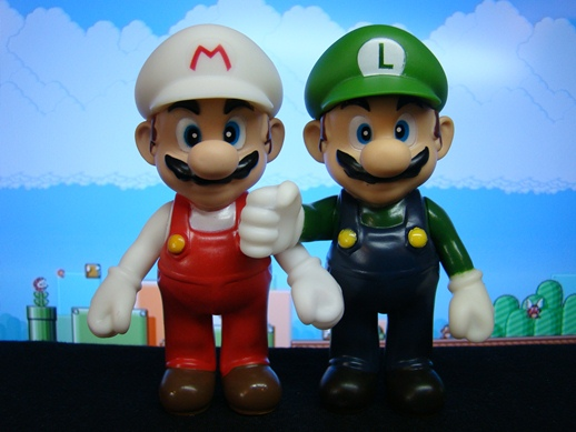 Super Mario Figure Collection – Fire Mario & Fake Luigi (Mario with Luigi's Costume)- PopCo Entertainment (2008)